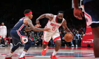 James Harden et Isaiah Thomas durant Rockets vs Wizards