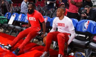 James Harden pas contre un big three chez les Rockets