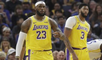 LeBron James et Anthony Davis sous le maillot des Lakers