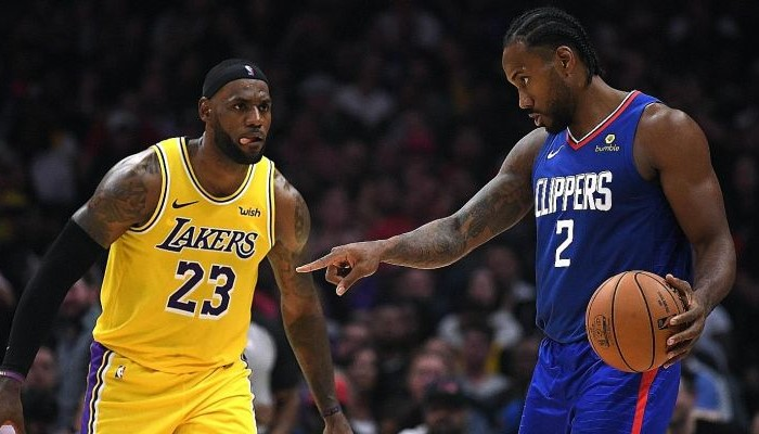 LeBron James et Kawhi Leonard au duel