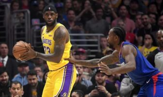 LeBron James et Kawhi Leonard durant Lakers vs Clippers