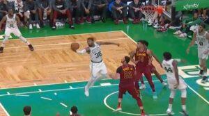 NBA – La passe magique de Marcus Smart