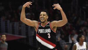 NBA – Un sosie de McCollum poste une photo osée… au lit, et fait le buzz