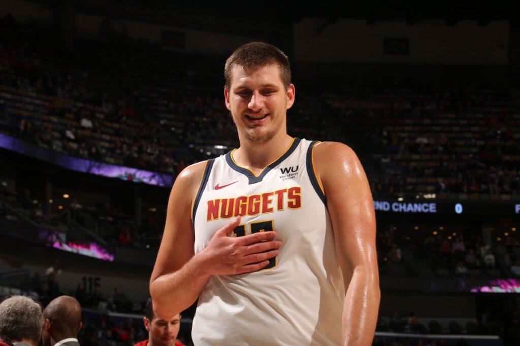 NBA - Nikola Jokic répond à ceux qui le critiquent sur son poids