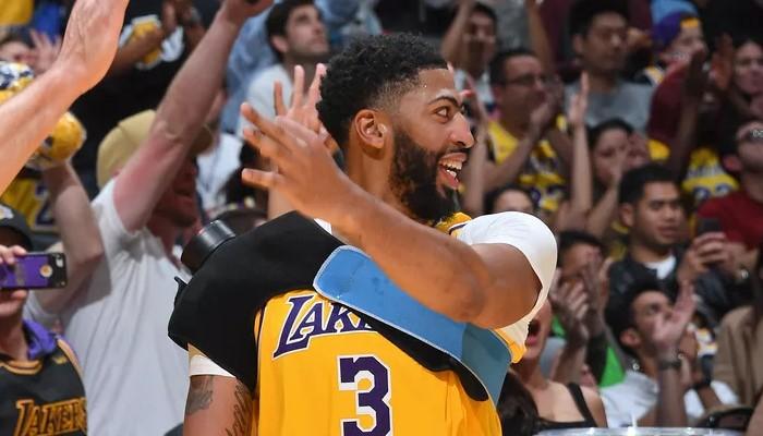 La blessure d'Anthony Davis surveillée de très près par les Lakers
