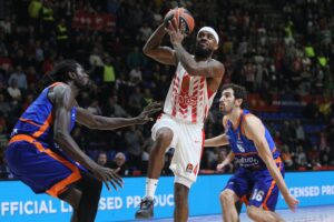 Euroleague – Lorenzo Brown crucifie Valence au buzzer !