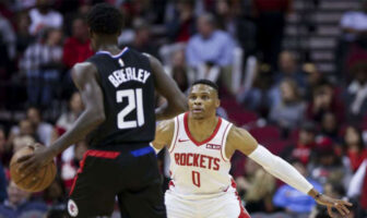 Patrick Beverley des Clippers et Russell Westbrook des Rockets