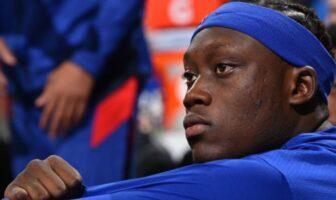 Sekou Doumbouya pensif sur le banc des Detroit Pistons