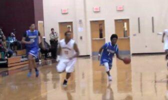 Darnell Rogers durant un match avec son équipe de lycée