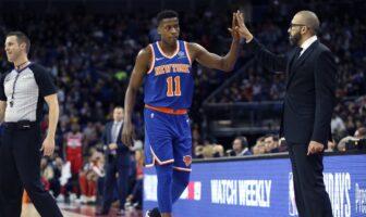 David Fizdale et Frank Ntilikina durant le match des Knicks à Londres