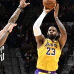 NBA – Après un record de franchise, LeBron reçoit des chants MVP à San Antonio