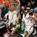 NBA – Kawhi Leonard écrabouille Daniel Theis avec un énorme poster !