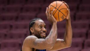 NBA – L'ahurissante photo de Kawhi Leonard sur le banc cette nuit
