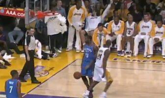 Kobe Bryant marque un tir fou sur James Harden