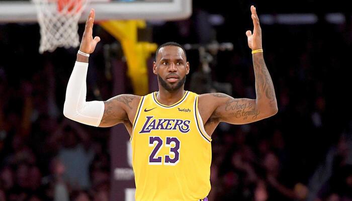 Les Lakers vont parler à la ligue à propos de LeBron James