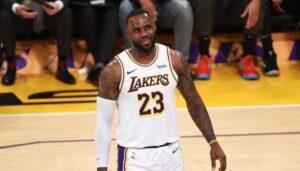 NBA – Toujours insomniaque, LeBron regarde un programme… bien spécial