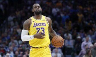 LeBron James continue de battre des records