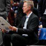NBA – Steve Kerr se blesse lui aussi et ironise
