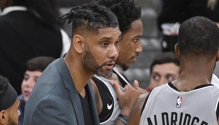 Tim Duncan se retrouve en charge chez les Spurs