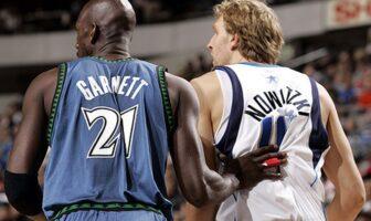 Kevin Garnett en défense sur son rival Dirk Nowitzki