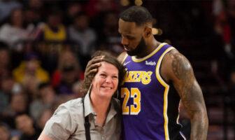 LeBron James et la serveuse qu'il a renversé lors du match entre les Lakers et les Blazers