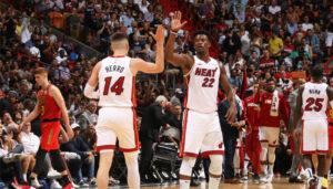 NBA – Jimmy Butler réagit au carton de Tyler Herro… et fait une grosse annonce !