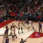NBA – Alex Caruso et LeBron sortent un alley-oop parfait !