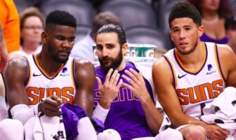 discussion entre Ayton, Rubio et Booker