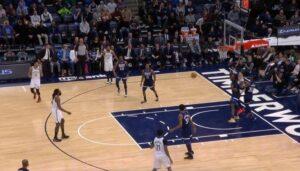 NBA – DeAndre Jordan piège les Wolves avec une passe… contre la planche