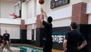 NBA – Devin Booker marque 128 tirs à 3 points de suite !