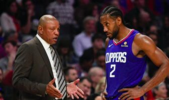 discussion entre doc rivers et kawhi leonard