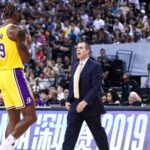 NBA – Frank Vogel recadre Dwight Howard avec humour après son 3 points