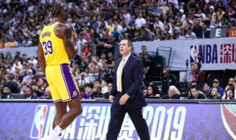 NBA - Frank Vogel recadre Dwight Howard avec humour après son 3 points