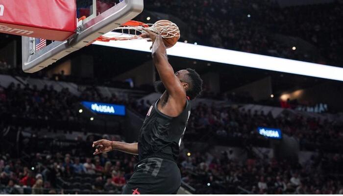 Les Rockets vont passer à l'offensive
