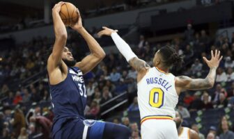 Karl-Anthony Towns face à D'Angelo Russell