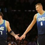 NBA – Des tensions apparentes entre Luka Doncic et Kristaps Porzingis ?