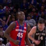 NBA – Les premiers points de Sekou Doumbouya dans la ligue