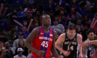 Premiers points pour Sekou Doumbouya en NBA !