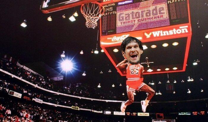 Michael Jordan s'envole... à moins que ce soit Boban