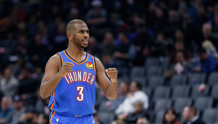 Chris Paul trolle les Wolves avec son maillot