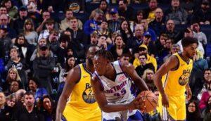 NBA – Encore titulaire, Sekou Doumbouya impressionne et trash-talk le banc des Warriors !
