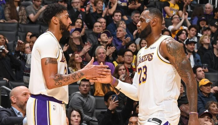 LeBron James et Anthony Davis font pleuvoir les dunks !