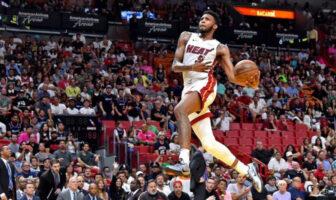 Derrick Jones veut réaliser un concours de dunk parfait avec que des 50