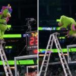 NBA – La mascotte d'Orlando se prend pour Aaron Gordon avec un dunk hallucinant !