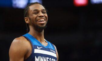 Andrew Wiggins tout sourire sous les couleurs des Minnesota Timberwolves