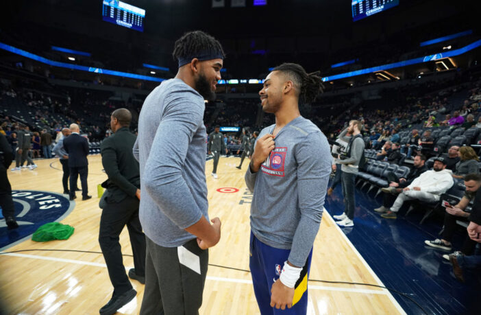 Le duo Karl-Anthony Towns/D'Angelo Russell encore retardé