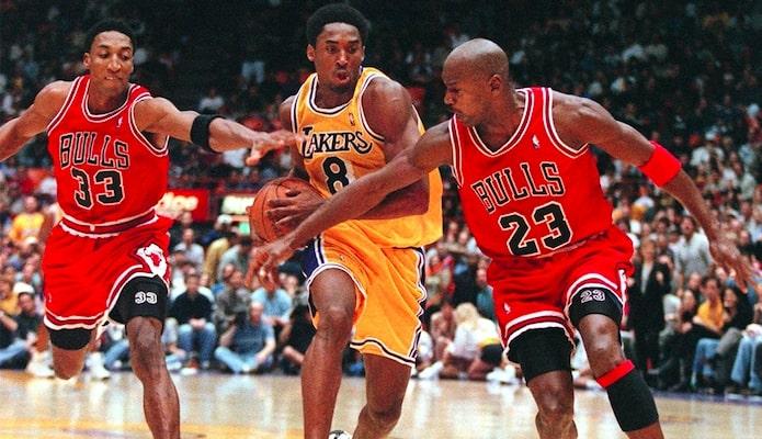 Kobe Bryant à la lutte avec Michael Jordan et Scottie Pippen
