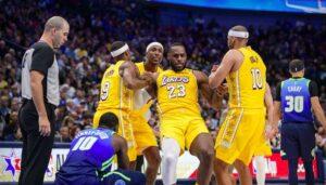 NBA – La réunion des Lakers menée par LeBron et un grand invité spécial