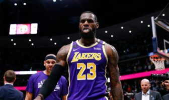 LeBron James des Lakers face aux Nuggets