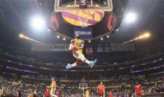 Le dunk monstrueux de LeBron James